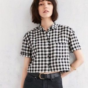 URBAN OUTFITTERS BDG Gingham Crop Button Up